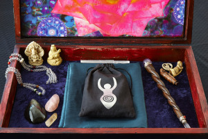 Inner Goddess Tarot Toronto Readings Crystals