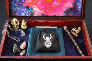 Inner Goddess Tarot Toronto Readings Crystals
