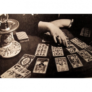 Tarot readubg at Wonderworks and Origo books